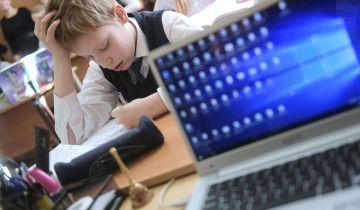 Врач оценил безопасность возвращения московских школ к очному обучению