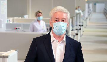 Большинство людей не заражаются коронавирусом повторно, заявил Собянин