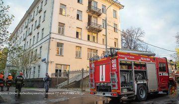 Опубликованы кадры пожара в гостинице на юго-востоке Москвы