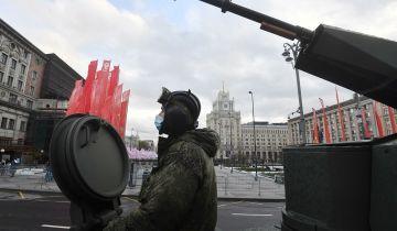 Минобороны опубликовало видео ночной репетиции парада на Красной площади