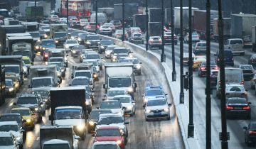 Вечером в пятницу пробки в Москве могут достигнуть девяти баллов