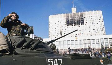 Коржаков опроверг слова Руцкого о числе жертв обстрела Белого дома