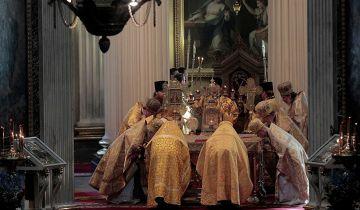 В РПЦ рассказали о значении поклонения мощам святых