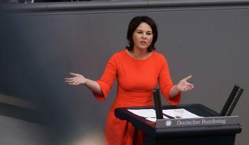 Bloomberg: Кремль не допустит Анналену Бербок на пост канцлера ФРГ