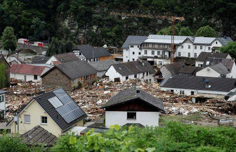 Путин вновь выразил Меркель соболезнования после наводнений в Германии