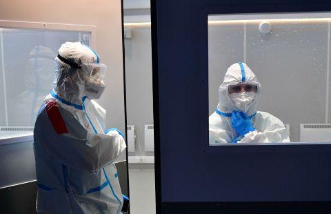 """Невролог рассказал, чем коронавирус опасен для """"сов"""" и """"жаворонков"""""""