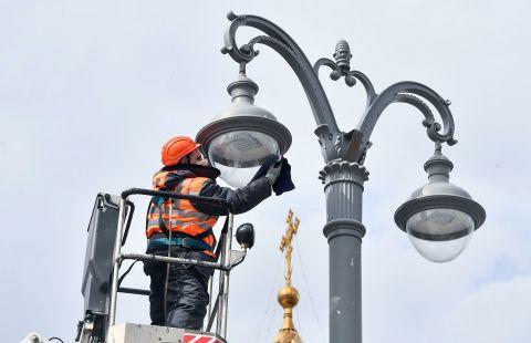 В Москве стали быстрее исправлять неполадки в сетях наружного освещения
