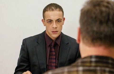 """Звезде сериала """"След"""" вынесли приговор за нападение с ножом на инспектора"""