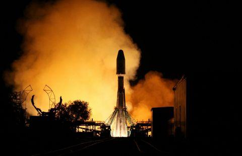 """""""Союз"""" успешно вывел на орбиту все британские спутники OneWeb"""
